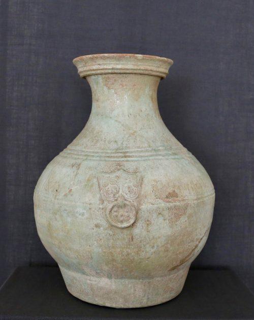 F011, Vase hu glaçure et taotie